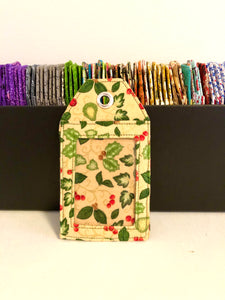 Pick any luggage tags with Christmas theme