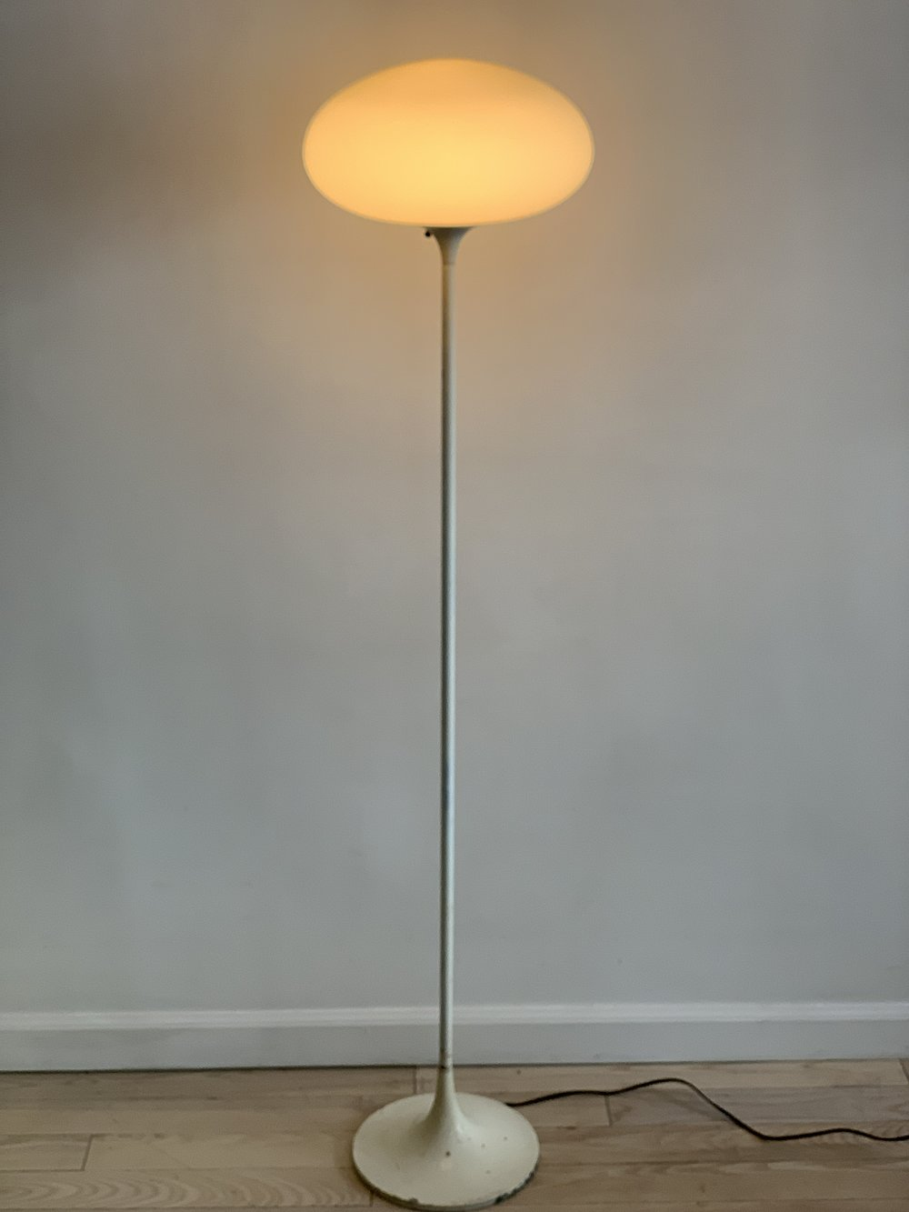 Mid Century White Base Laurel Lamp Co Mushroom Floor Lamp