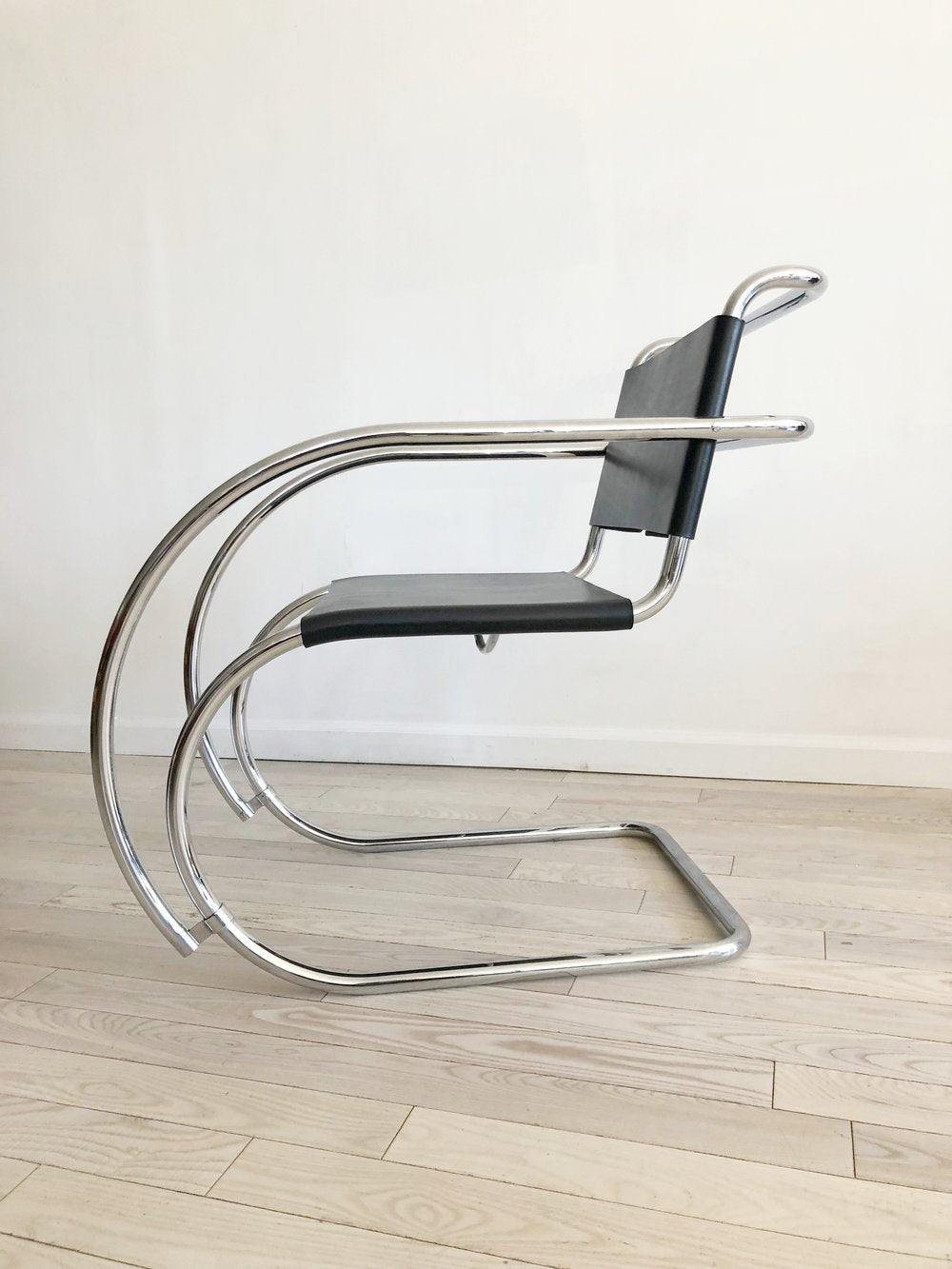 Awesome Pair Of Mies Van Der Rohe Creativecarmelina Interior Chair Design Creativecarmelinacom