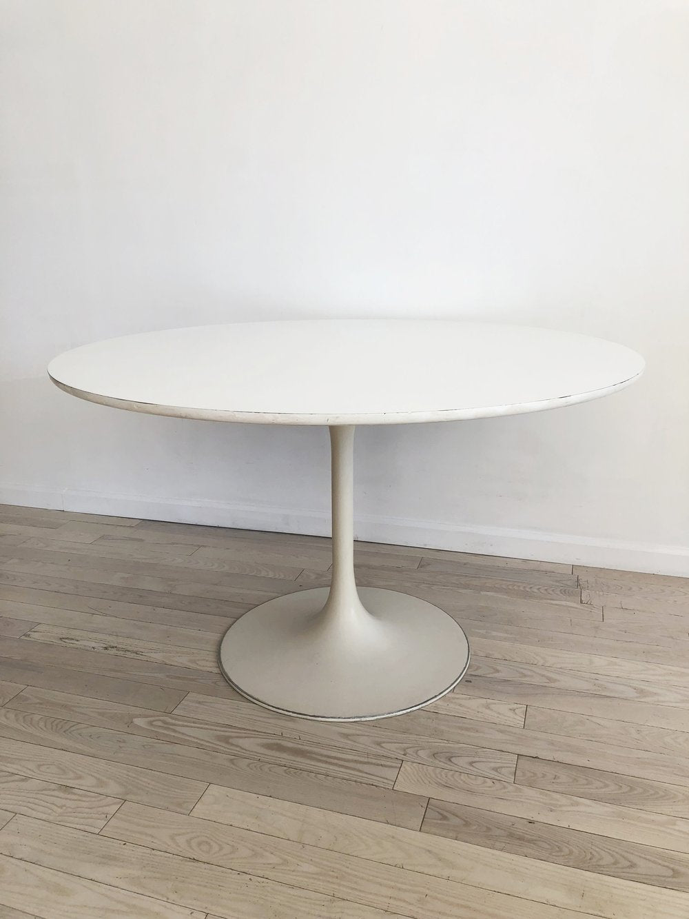 Burke 1960s White Tulip Dining Table