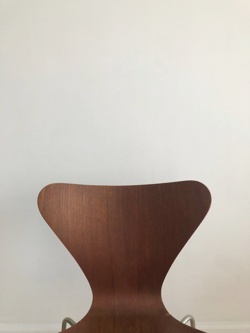 "Mid Century Danish Arne Jacobsen for Fritz Hansen Bent Teak"" Serious 7"" Chair"