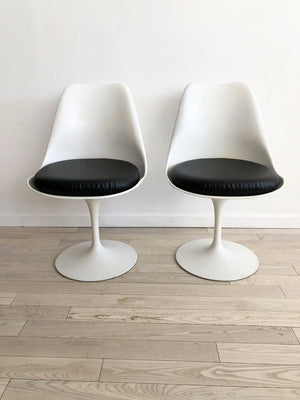 Pair of 1960s Authentic Knoll Eero Saarinen Tulip Chairs