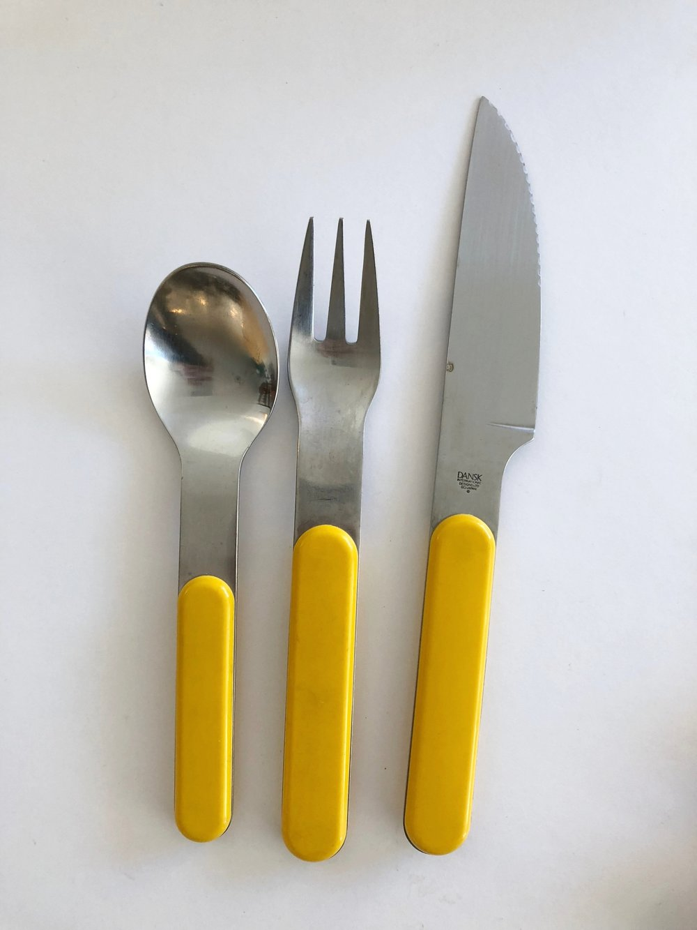 Dansk Mid Century Yellow Summer House 5-Person Flatware Set + Serving