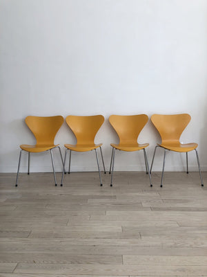 "Set of 4 1985 Arne Jacobsen for Fritz Hansen ""Series 7"" Mustard Chairs"