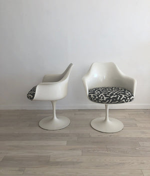 1960s Knoll Eero Saarinen Tulip Arm Chairs- Pair