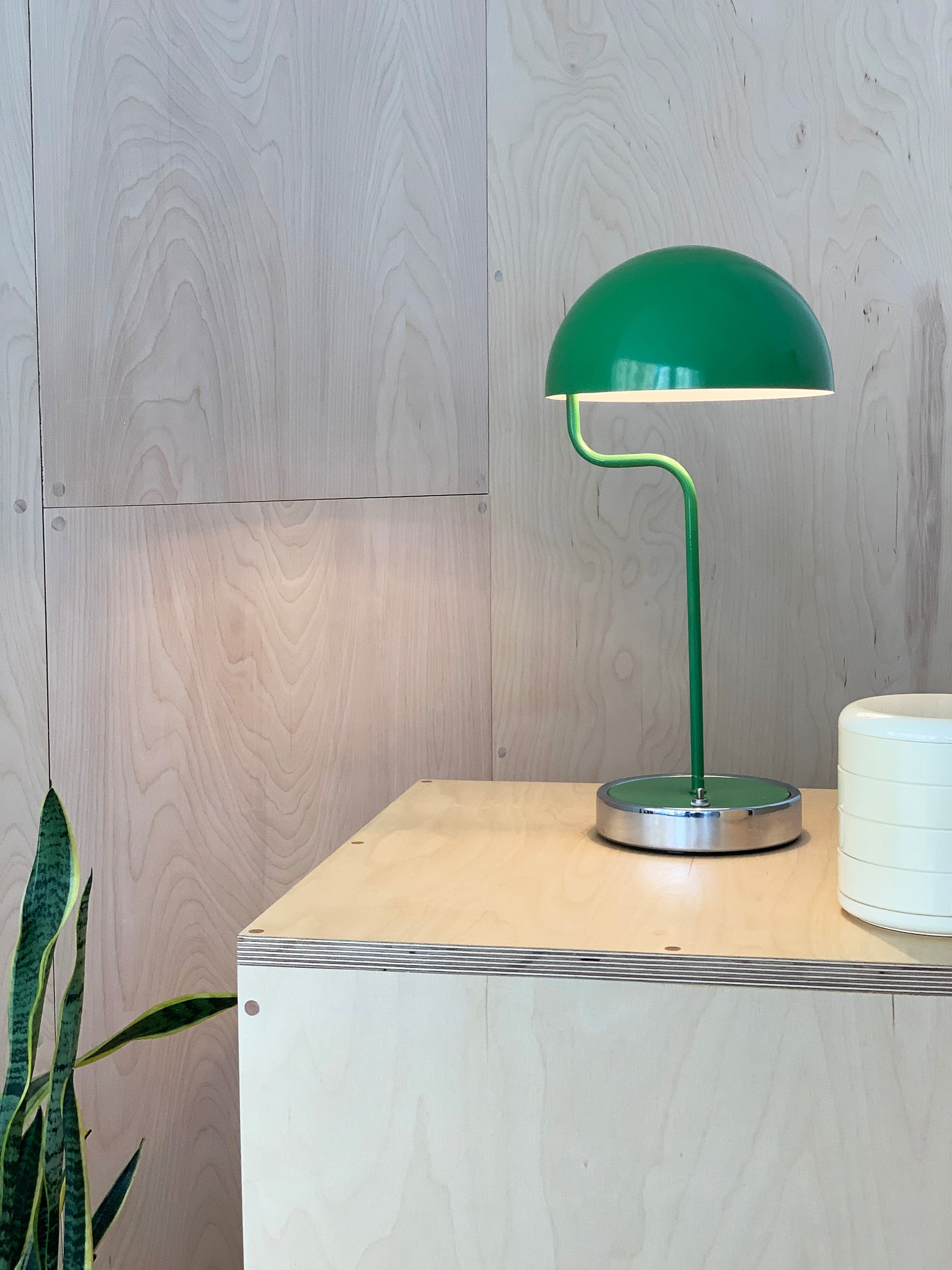 1960s Curvy Green Enameled Mushroom Table Lamp