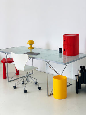 1983 Niels Gammelgaard Moment Table