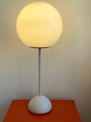 1960s White Teardrop Robert Sonneman Lollipop Table Lamp
