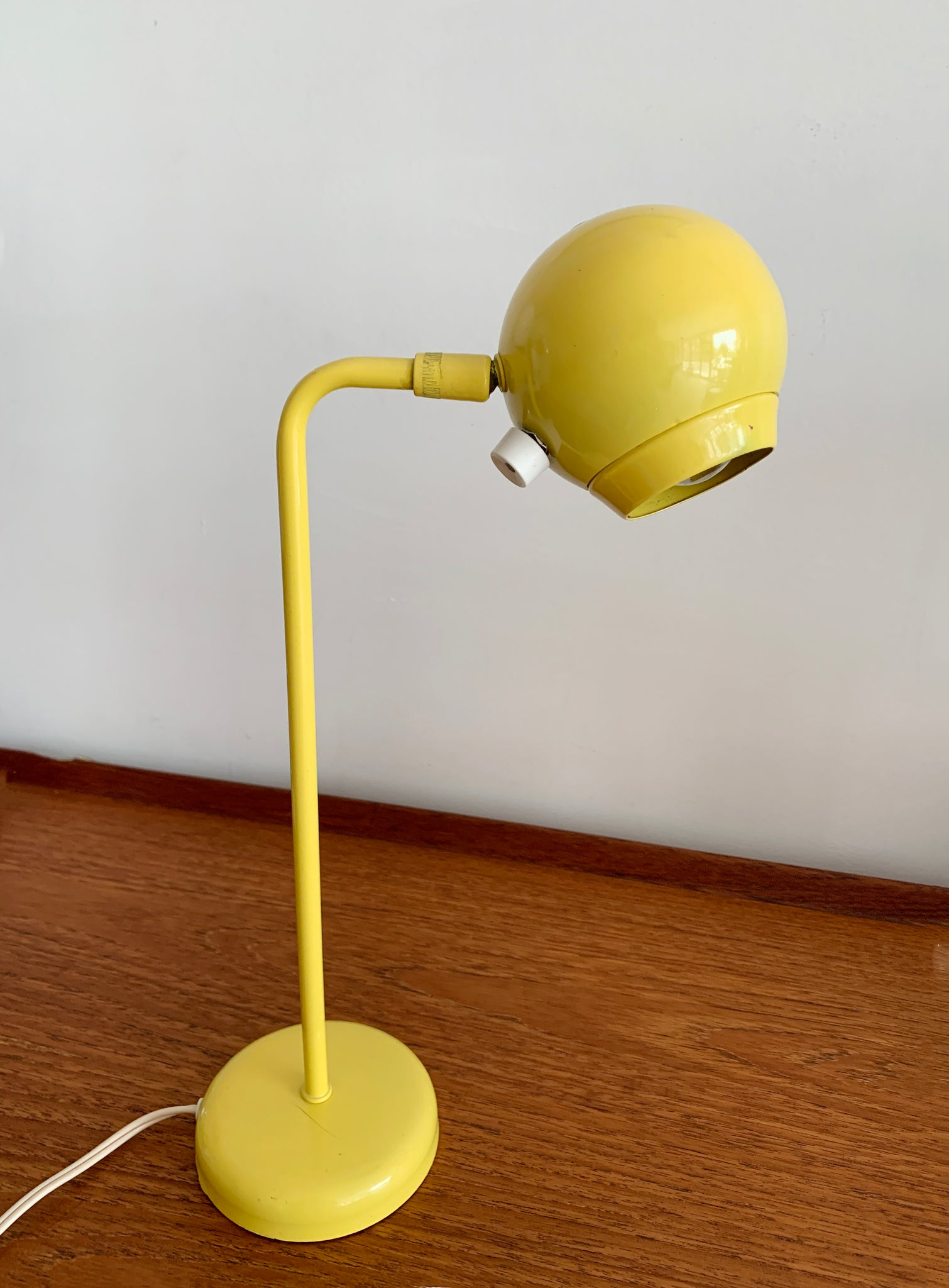 1960s Yellow Robert Sonneman for Kovacs Orb Table Lamp