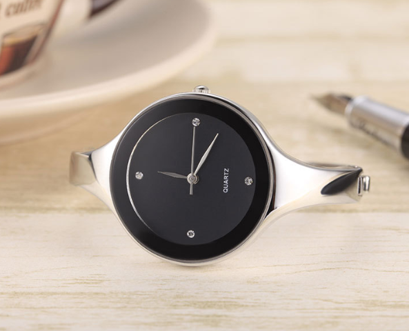 Watches: Ladies Black / S Round Bracelet Watch