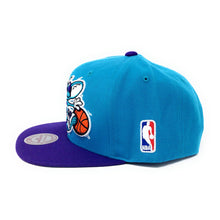 Load image into Gallery viewer, Mitchell and Ness Charlotte Hornets - Logo Blue/Purple Snapback Hat