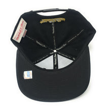 Load image into Gallery viewer, Mitchell and Ness Toronto Huskies Black/Gold Partial Logo Snapback Hat
