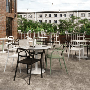 Six Considerations for Outdoor Workspaces