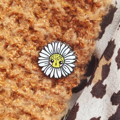 White Nickel Daisy Mini-Pin