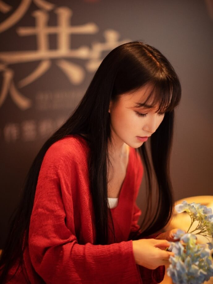 Who is Li Ziqi? real?age, weibo, Youtube Channel, married, Mianyang, Sichuan, family grandmother, music