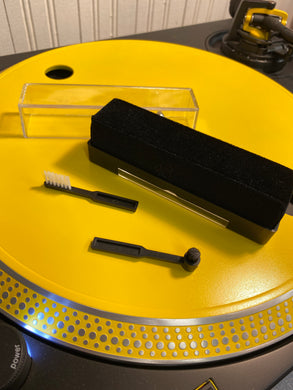 RECORD AND STYLUS CLEANING BRUSHES