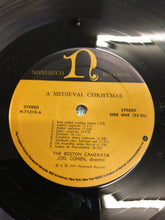 Load image into Gallery viewer, THE BOSTON CAMERATA LP ; A MEDIEVAL CHRISTMAS