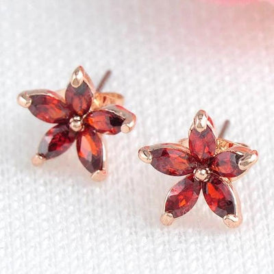 Bijoux Starbud Earrings - Adorable star shaped stud earrings.