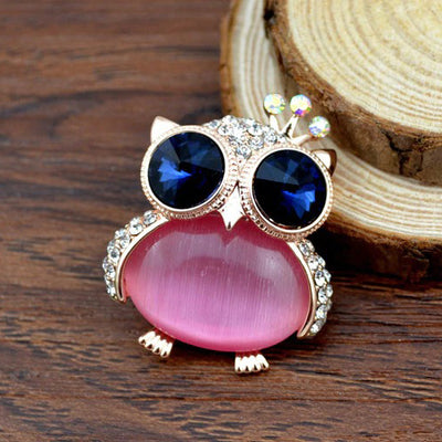 Cute Critter Brooch - Owl - An adorable chubby owl themed brooch, available in pink or white pearl.