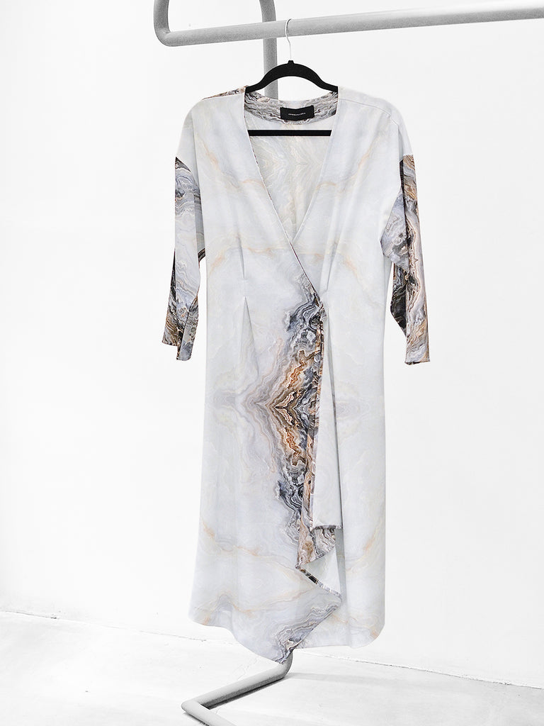 V-NECK ASYMMETRIC DRESS - MARBLE