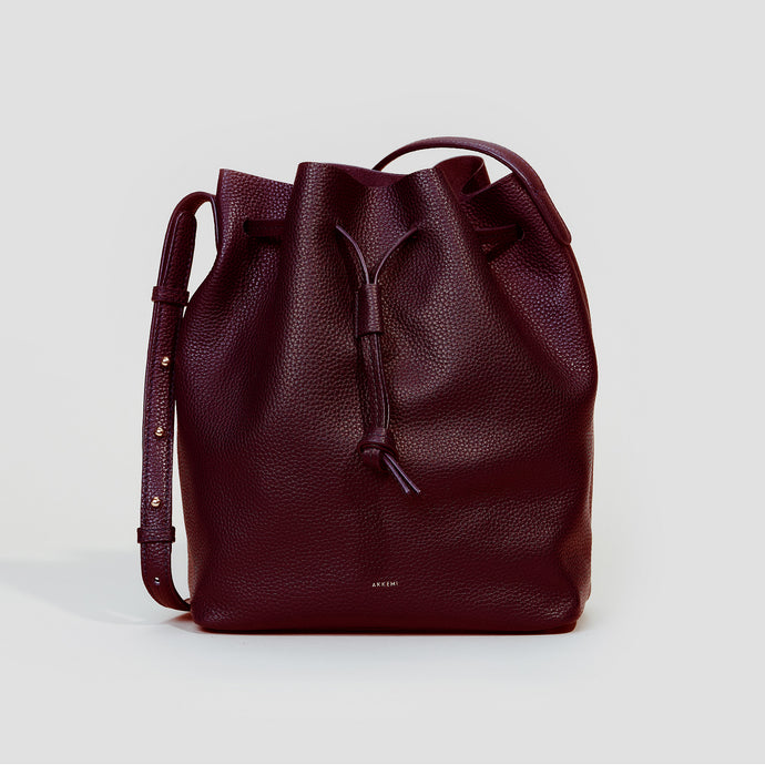GROSSE BUCKET BAG | BORDEAUX
