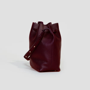 KLEINE BUCKET BAG | BORDEAUX