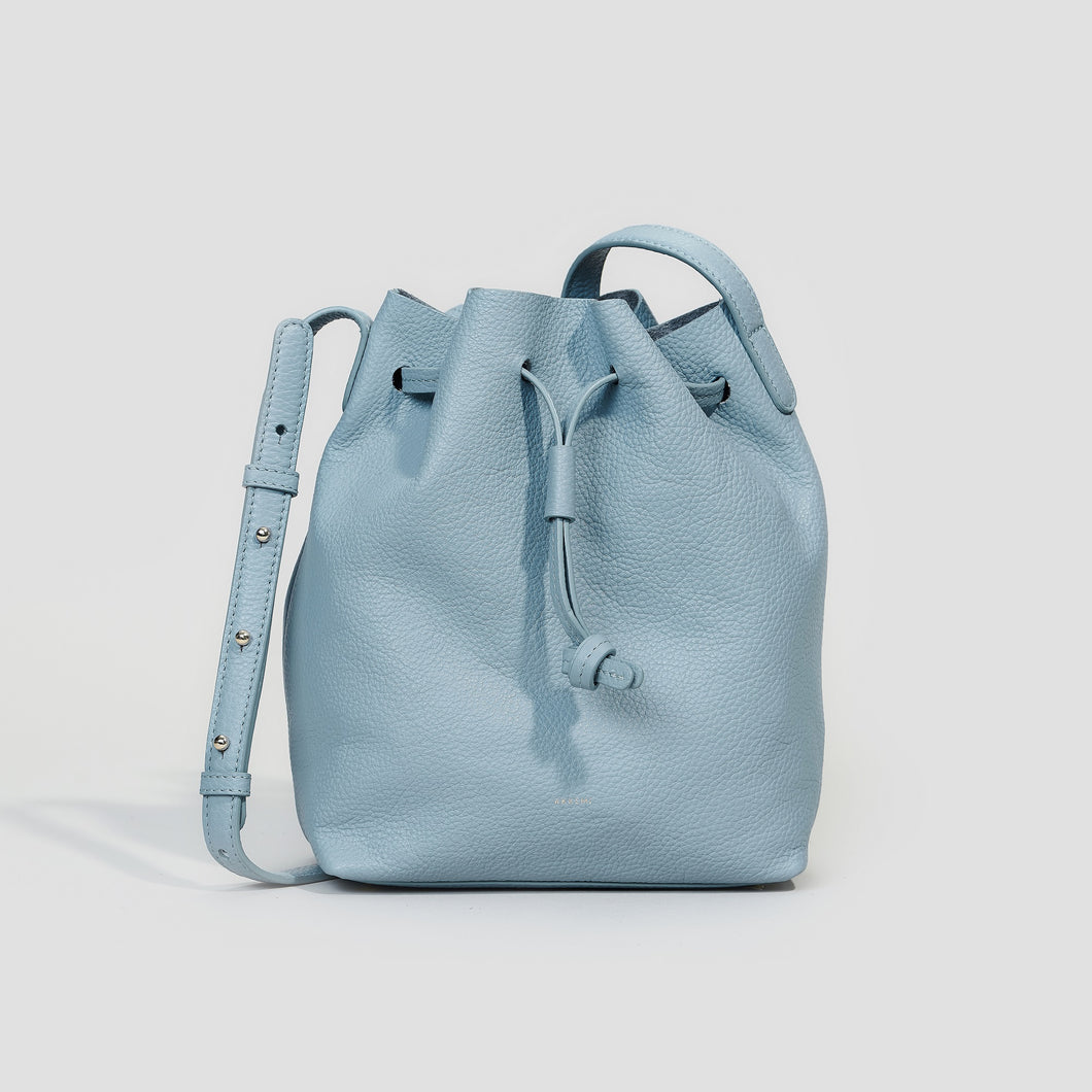 KLEINE BUCKET BAG | CLOUDY BLUE
