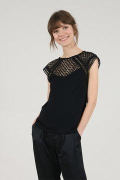 Curve Lace Sleeve Top