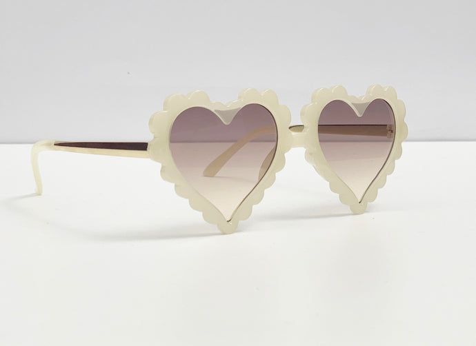 Sweetheart Sunglasses in Sand