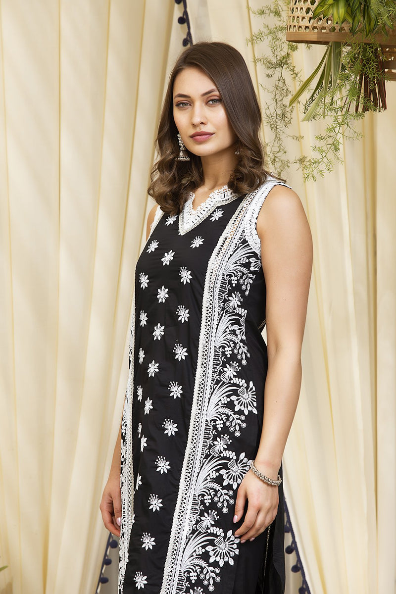 Mulmul Cotton Sofia Kurta With Lace Garara