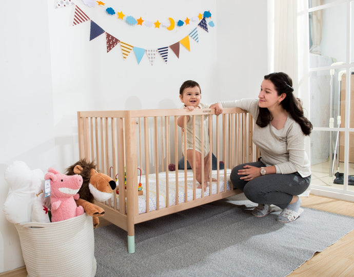 Lily and Tucker Cooper Compact 4in1 Convertible Crib