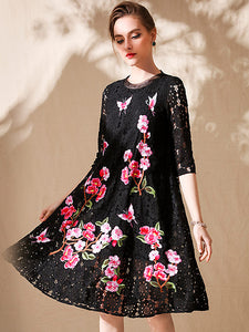 Elegant O-Neck Lace Floral Embroidered Shift Dress
