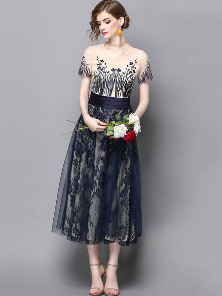 Fashion O-Neck Short Sleeve Embroidery A-Line Dress