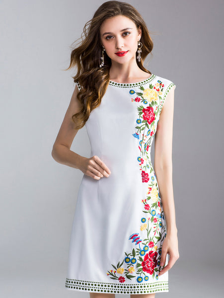 Fashion Embroidery O-Neck Sleeveless Fit & Flare Dress