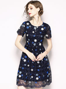 Elegant Embroidery O-Neck Short Sleeve Skater Dress