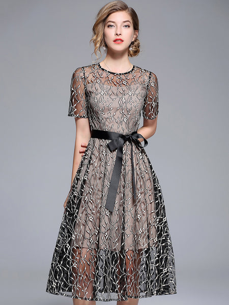 Embroidery O-Neck Short Sleeve Lacing A-Line Dress