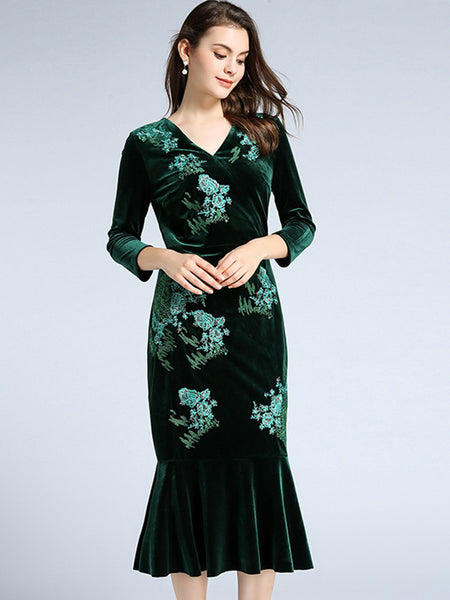 Velour Embroidery V-Neck 3/4 Sleeve Bodycon Dress