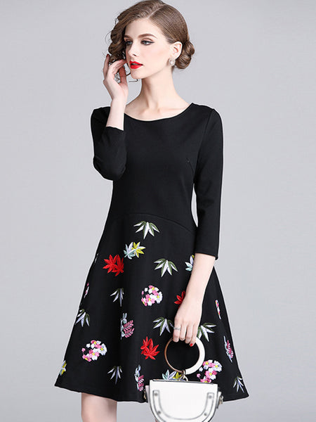 Embroidery O-Neck 3/4 Sleeve Pure Color Fit & Flare Dress