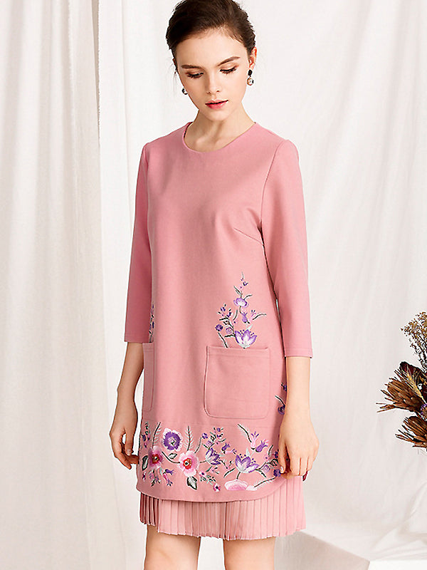 Simple Cotton Floral Embroidery O-Neck Half Sleeve Fit & Flare Dress