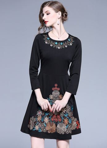 Black Embroidery O-Neck Long Sleeve Collect Waist Skater Dress