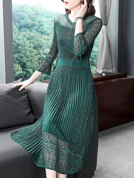 Pleated Stitching V-Neck Flare 3/4 Sleeve Dress