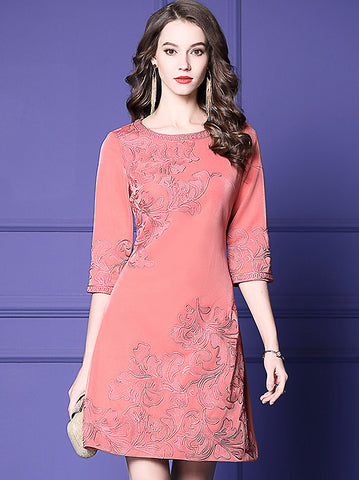 Pure Color Embroidery O-Neck 3/4 Sleeve A-Line Dress