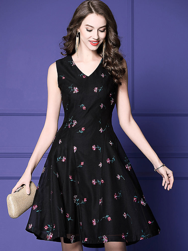 Floral Embroidery Mesh Stitching Slim V-Neck Sleeveless A-Line Dress