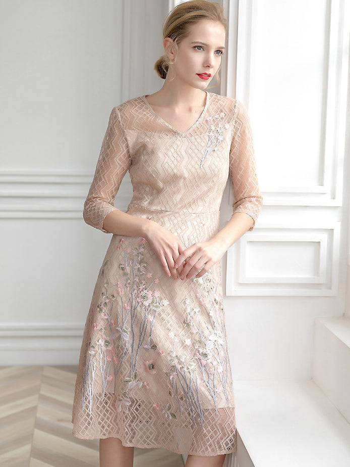 Floral Embroidery Lace V-Neck Half Sleeve Slim A-Line Dress