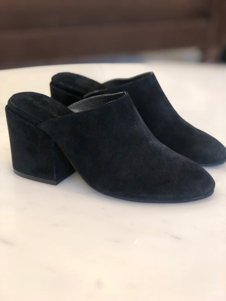 Julia - Black Suede