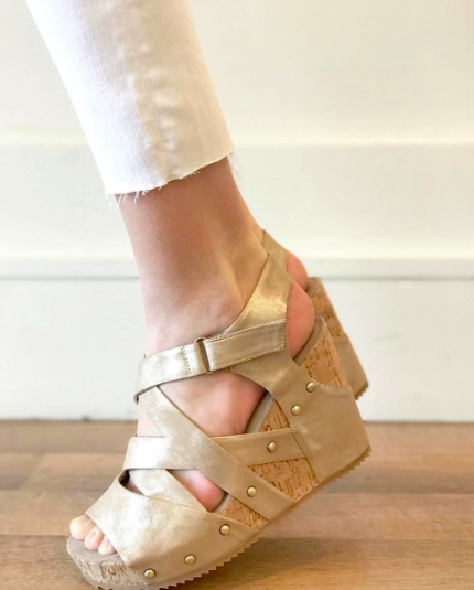 706 Criss Cross Wedge