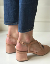Rose Rounded Toe Heel