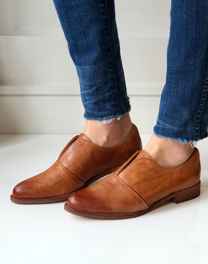 Maria Slip-On Oxford - Luggage Leather