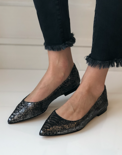 Padra Pointy Toe Flat - Pewter Leather
