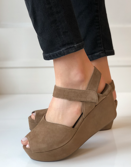 Waffy Wedge - Brown Suede